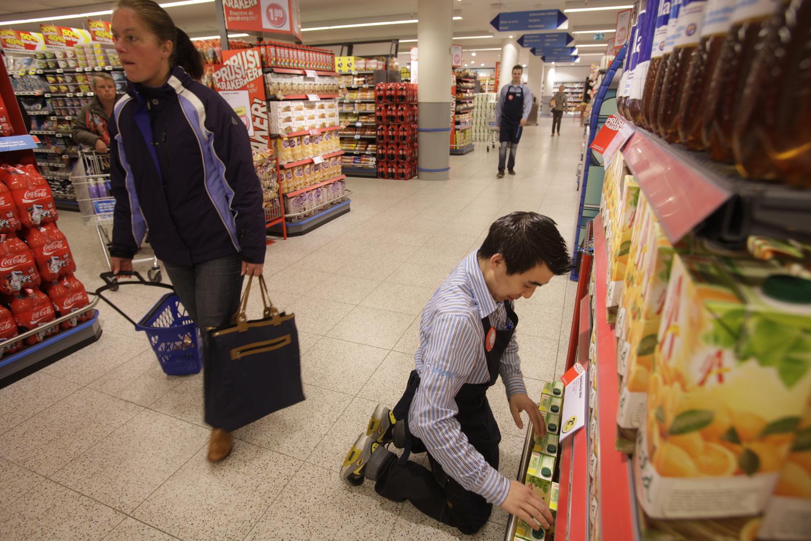 VVD wil werklozen als vakkenvullers