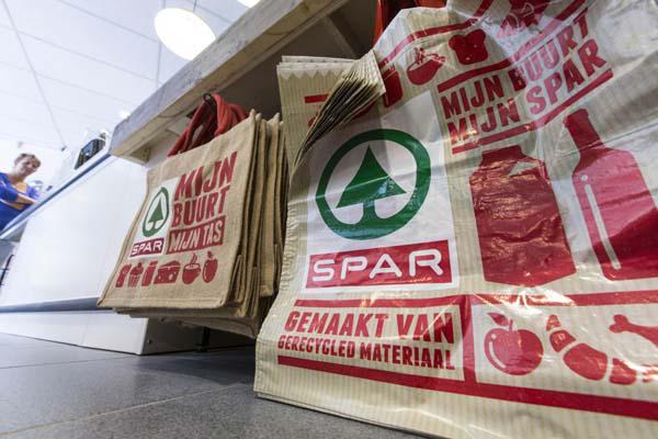 Spar opent hub in Heerenveen