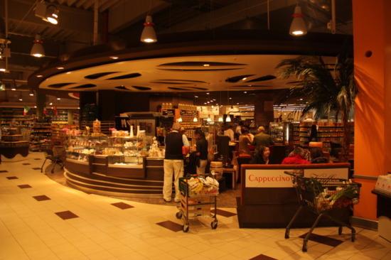 Restaurants, cafés en snackbars stuwen horecaomzet