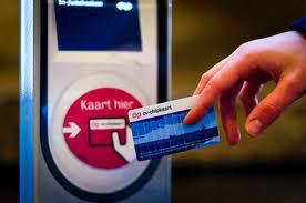 Met OV-chipkaart betalen in stationswinkels