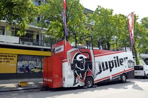 Jumbo Velu heeft primeur met Jupiler-bus