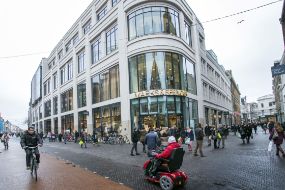 Marks & Spencer versnelt winkelsluitingen