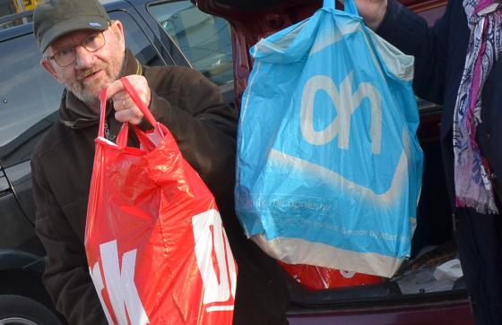 'Klant accepteert verbod gratis plastic tas'
