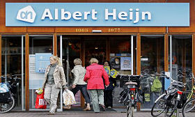 Albert Heijn zet mes in management