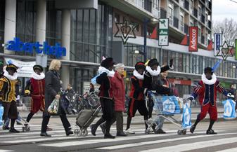 Zwarte Piet-haters richten pijlen op AH