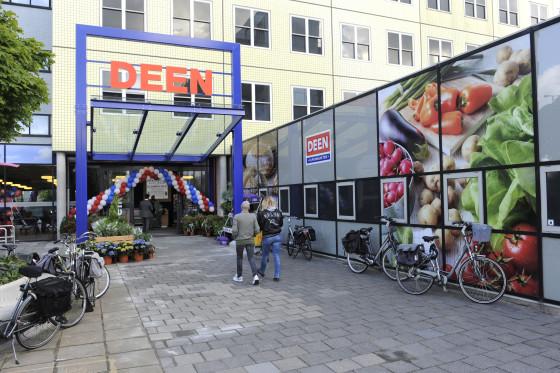 Deen dreigt twee vestigingen te sluiten