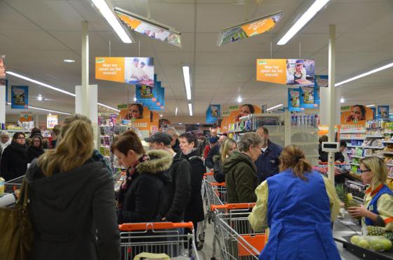 Reportage: Poiesz Harkema geopend