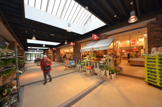 Fotoreportage: Deka met marktconcept buiten Randstad