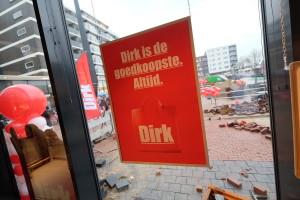 Dirk neemt na Deen-winkel ook MCD over