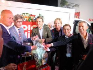 Derde van rechts: Frederik Nieuwenhuys