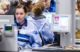 Supermarkt betaalt jongere meer dan gemiddeld