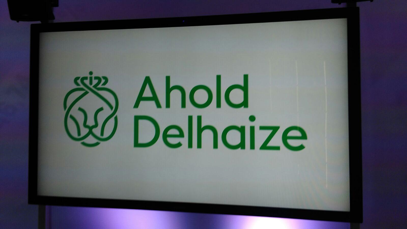 Het nieuwe logo van Ahold Delhaize duidelijk in beeld
