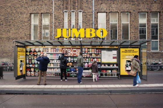 Jumbo opent winkel in bushokje