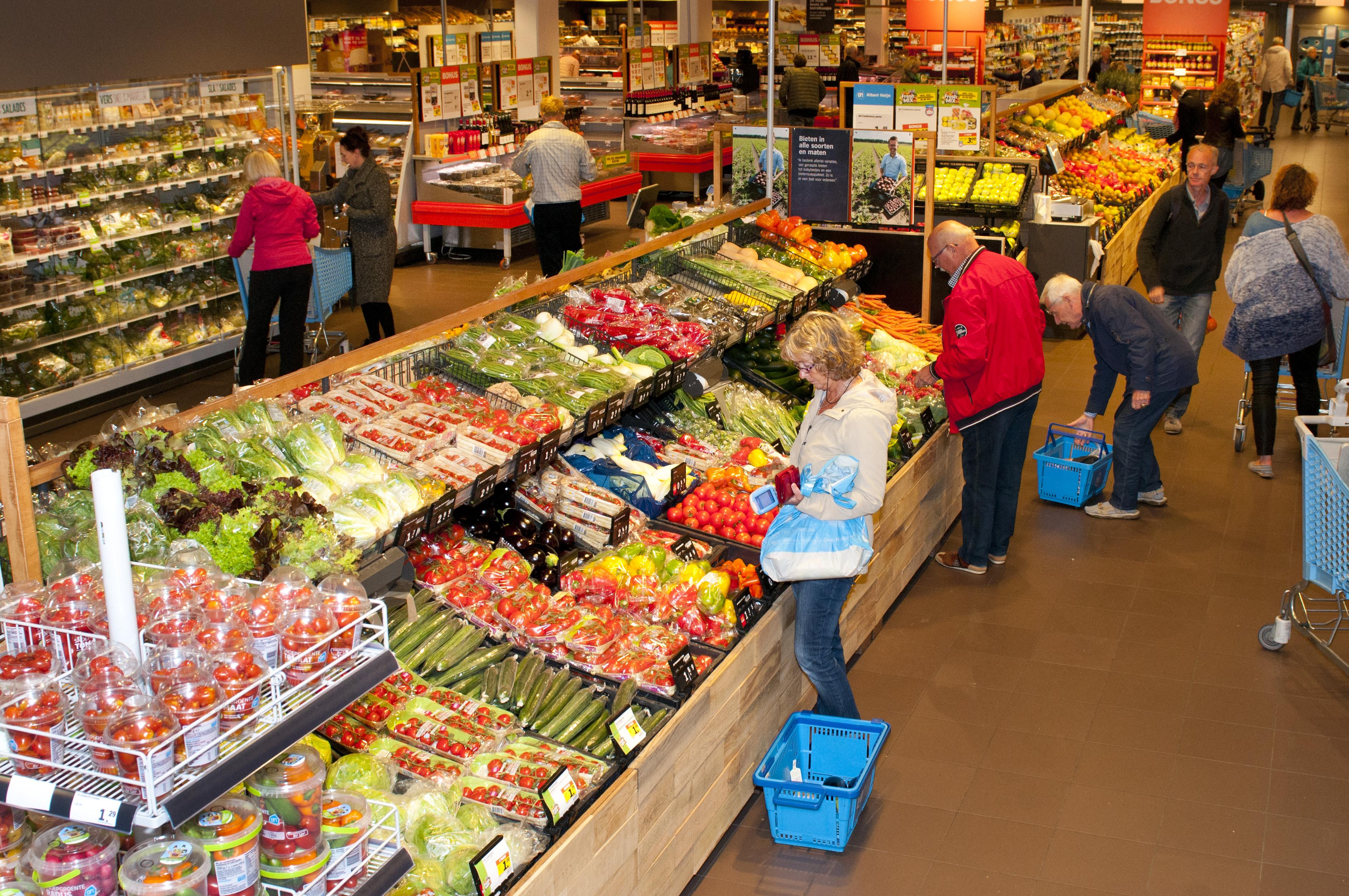 Overzicht van de agf-afdeling van Albert Heijn in Castricum. Foto: Wick Natzijl