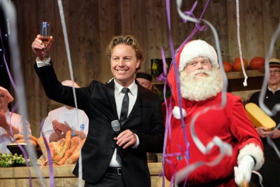 Foto's:  AH opent tweede editie Kerstfestival