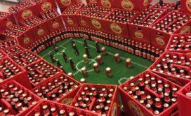 Stadion van bierkratten bij AH geoorloofd