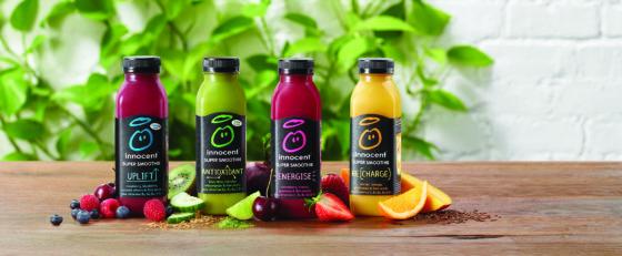 De innocent super smoothies; smoothies gemaakt van puur fruit, groente, zaden en extra vitaminen en mineralen.