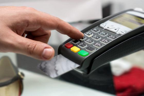 'Alternatieven voor pinnen duur voor winkels'
