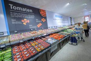 Hoogvliet verpakt tomaten in karton