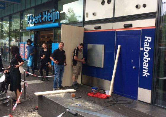 Politie schiet bij voorkomen plofkraak AH