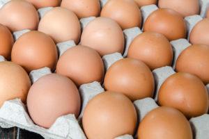 Eierprijs in supermarkt blijft fipronil-hoog