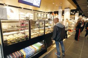 Pilotwinkels AH en Hema in Utrecht en R'dam