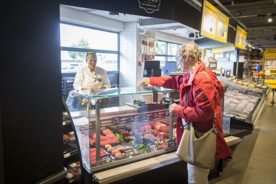 Vlees is ook nog gewoon in de bediening verkrijgbaar en het betreft niet alleen luxe-vlees. Foto: Koos Groenewold