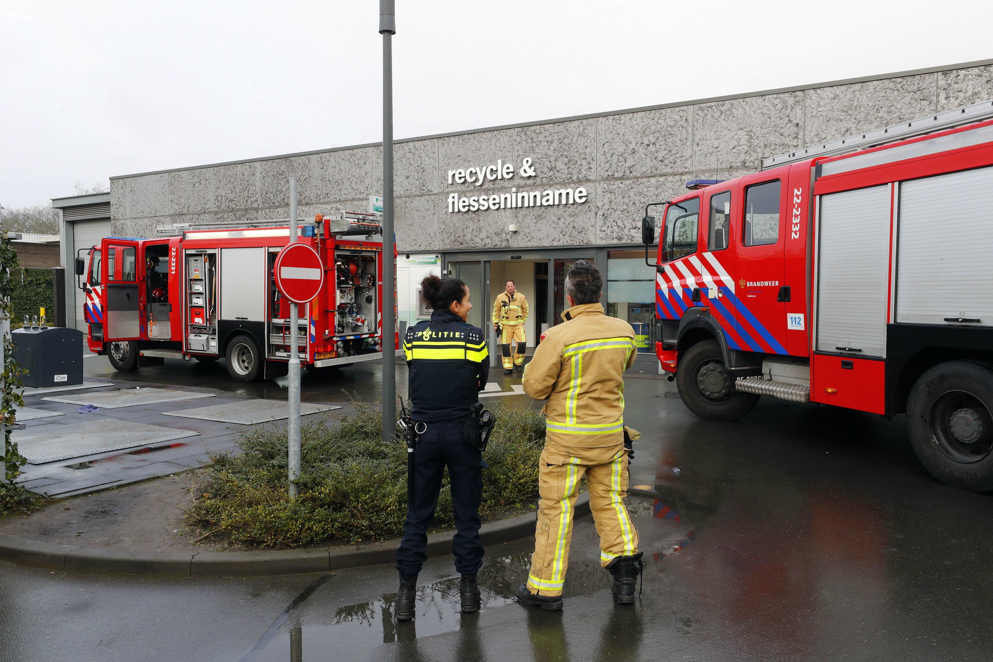 Brandweer bij de Eindhovense AH XL. Foto: Bert Jansen