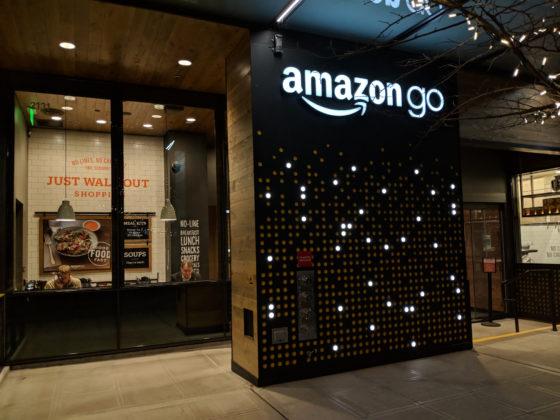 Amazon opent kassaloze winkel voor publiek