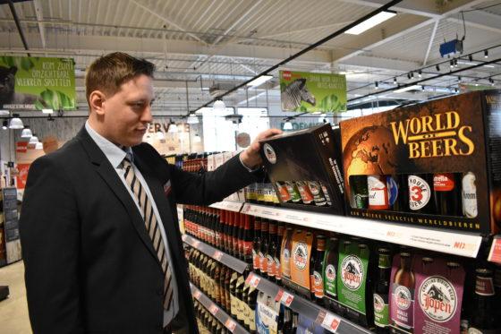 Supermarktmanager Pascal Klijnstra staat aan het roer in Zeewolde. Hij heeft onder meer ervaring opgedaan bij Golff, Edah, Spar en de World of Food in Beverwijk.