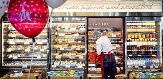 Eigenaar Douwe Egberts koopt broodjesketen