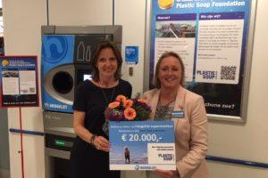 Hoogvliet doneert aan Plastic Soup Foundation