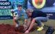 Wouter kolk en twan van meel planten boom in zuid afrika 80x50
