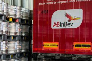AB Inbev halveert de winstuitkering