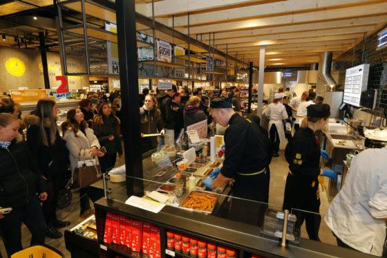 Omzet supermarkten breekt door €40 miljard