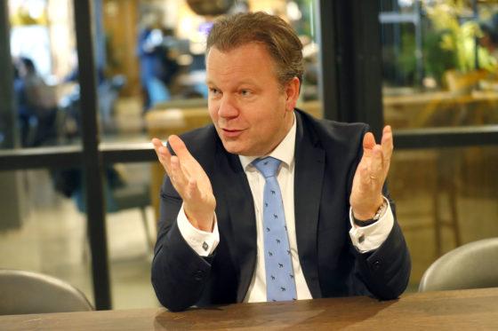 Van Veen (Jumbo): online fors verlieslatend