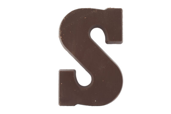 Hema boos op leverancier chocoladeletters