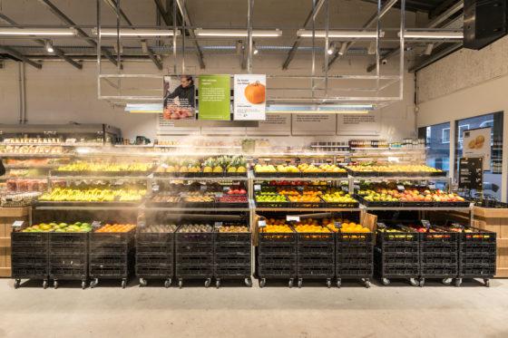 AMSTERDAM, 6 december 2018; Nieuw concept Marqt Oostelijke Handelskade. De groenten- en fruitafdeling, zonder verpakte producten. © SEBASTIAAN ROZENDAAL