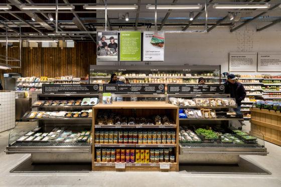 AMSTERDAM, 6 december 2018; Nieuw concept Marqt Oostelijke Handelskade. Schap met plantaardige proteinen. © SEBASTIAAN ROZENDAAL