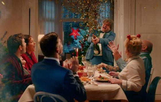 Jumbo laat Max Verstappen zingen voor kerst