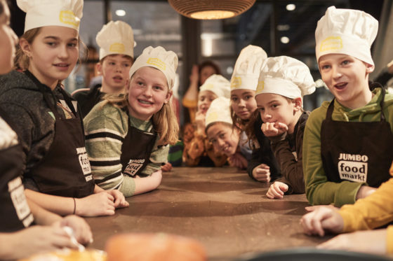 Jumbo lanceert kookboek met kinderhelden