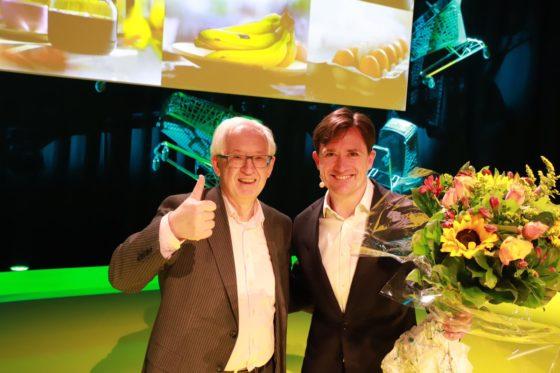Video: Duncan Hoy (Plus) neemt MVO award in ontvangst