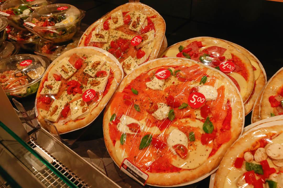 Pizza's en versbelegde broodjes zijn voortaan in twee formaten te verkrijgen