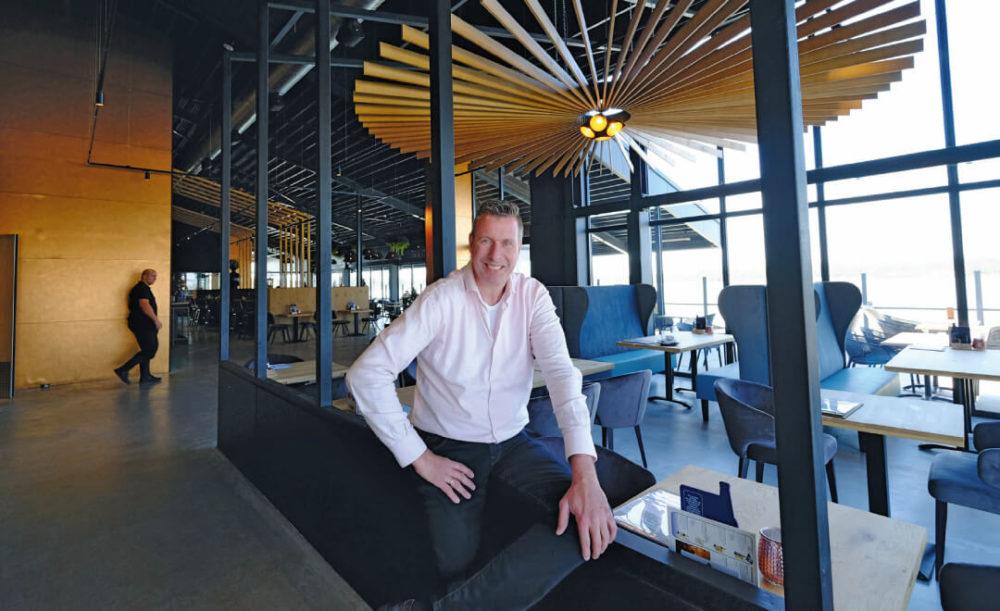 AH-ondernemer opent 'zelfgetimmerde' strandtent