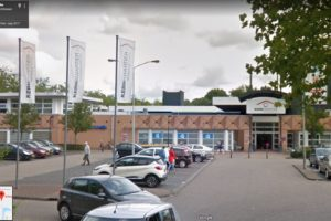 AH ontkent vertrek uit Nuenens winkelcentrum