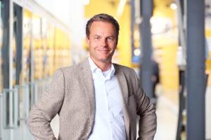 Olaf de Boer (Jumbo) spreekt op formule-event