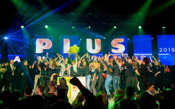 Ton Henst wint titel Beste Plus van Nederland