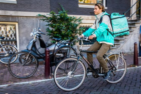 Amazon neemt belang in Deliveroo