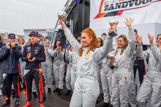 Schaatsster Antoinette de Jong won de race om de Ladies Cup. Foto: Jumbo