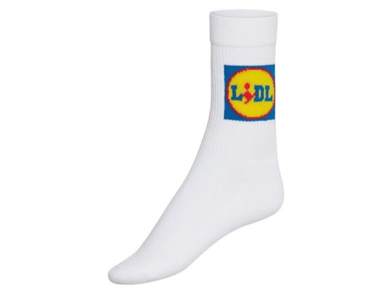 Lidl legt sokken met Lidl-logo in winkel en online